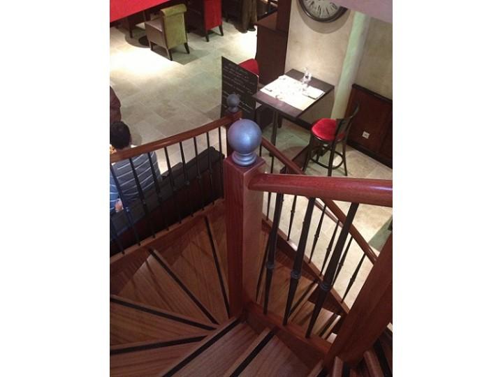 escaliers fer forg en indre et loire escaliershaquette. Black Bedroom Furniture Sets. Home Design Ideas